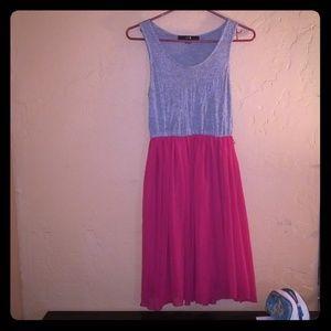 Forever 21 pink and grey summer/ spring dress